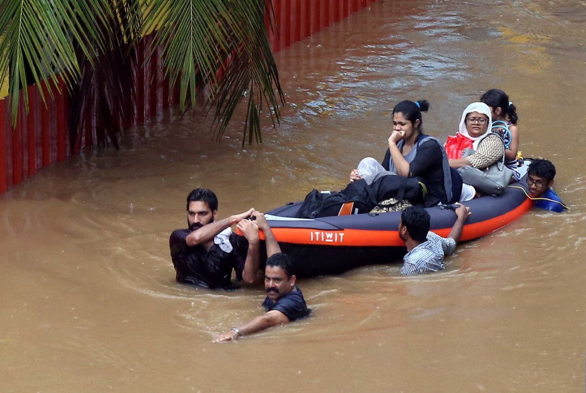 Lakhs of people in flood hit Kerala need your help